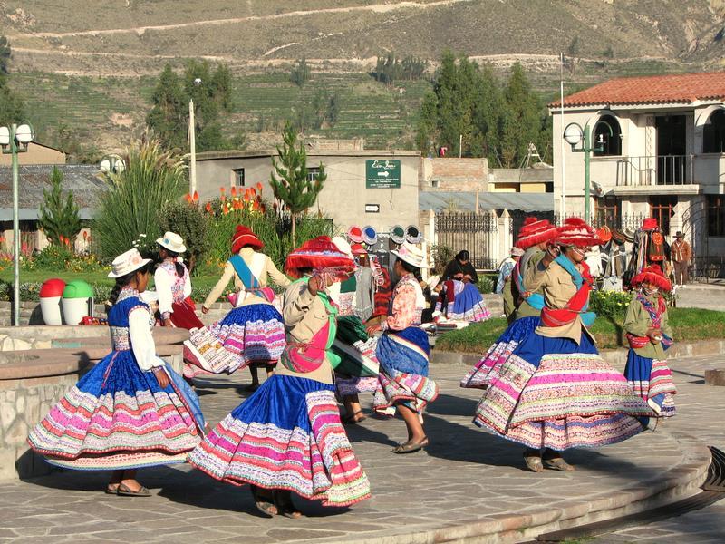"""Wititi, la """"danza del amor"""", Yanque, Valle del Colca, Arequipa, Perú. Imagen en Flickr del usuario Jorge Gobbi (CC BY 2.0)."""