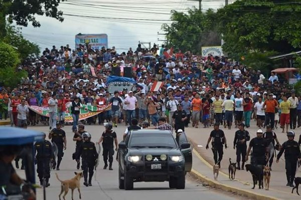 Fourth day of the indefinite strike in Pucallpa. Shared on Twitter by @carlos1cd