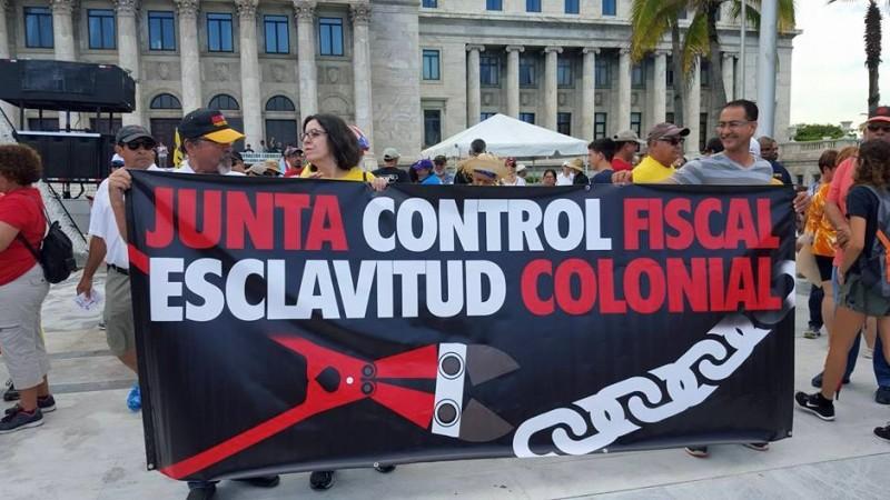 Marcha contra la Junta de Control Fiscal en San Juan, Puerto Rico. Foto por el autor.