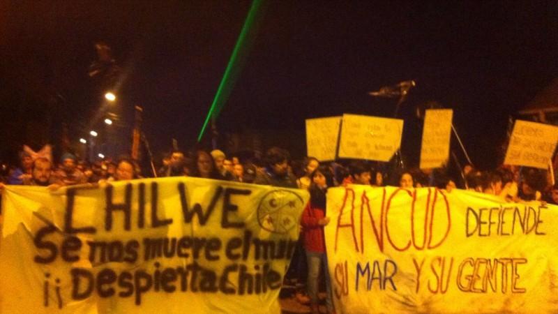 Protestas en Ancud. Foto de Victor Bahamonde. Usada con permiso.