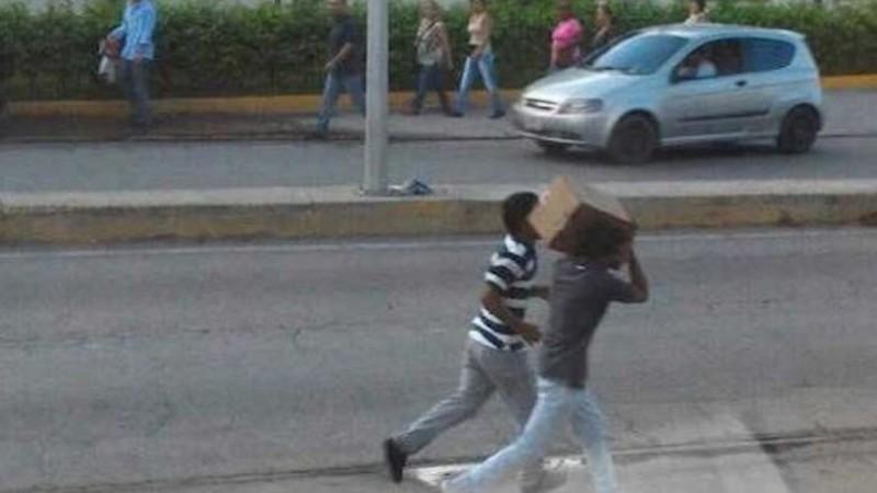 La crisis económica y la escasez de alimentos han contribuido a un aumento en los saqueos en Venezuela. Fotografía ampliamente compartida en las redes venezolanas dentro de las discusiones sobre la crisis alimentaria y los saqueos del 11 de mayo de 2016.