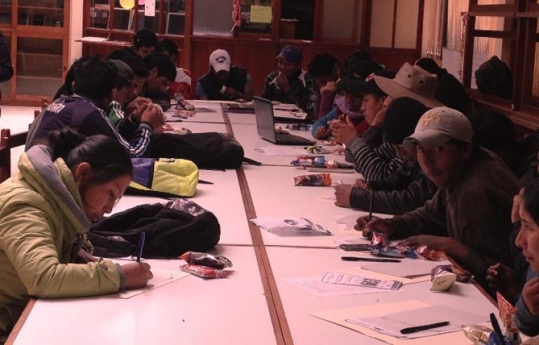 Alumnos de la Universidad Indígena Boliviana Aymara Tupak Katari. Foto usada con autorización.