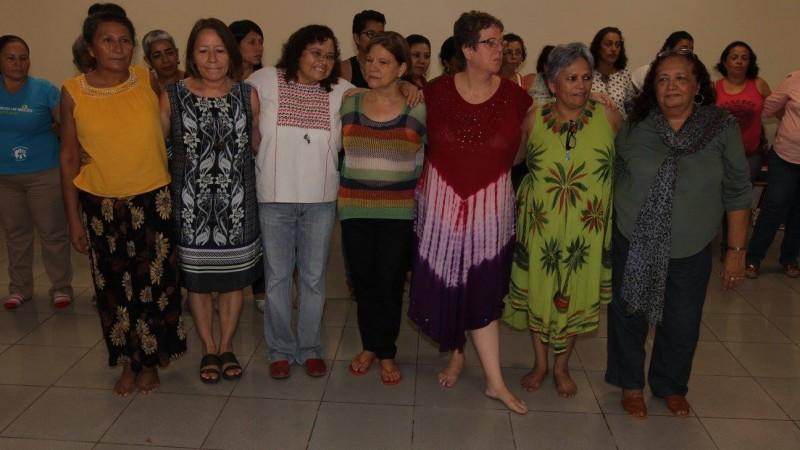 """""""Parte de las fundadoras de La Corriente"""" durante las Jornadas Feministas organizadas por este grupo en junio de 2016. Fotografía pública tomada de su página en Facebook."""