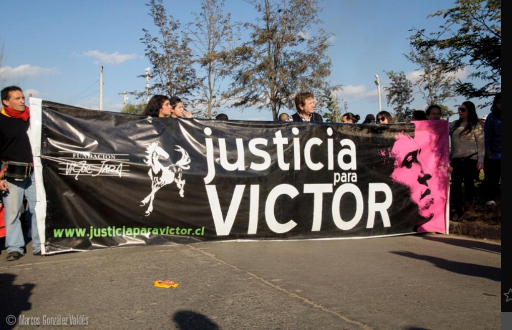 Homenaje a Víctor Jara en septiembre de 2013. Imagen en Flickr del usuario Marcos G. (CC BY-NC 2.0).