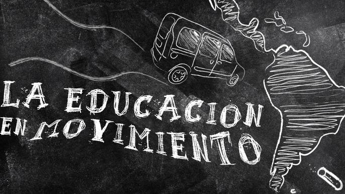 """""""La educación en movimiento"""" (etwa: Bildung im Wandel), eine Reise, auf der wir die Projekte zur Volksbildung, die sich durch die sozialen Bewegungen Lateinamerikas entwickelt haben, entdecken, miteinander verbinden und vorstellen Das Erkennungsbild der Kampagne, öffentlich geteilt über Facebook"""