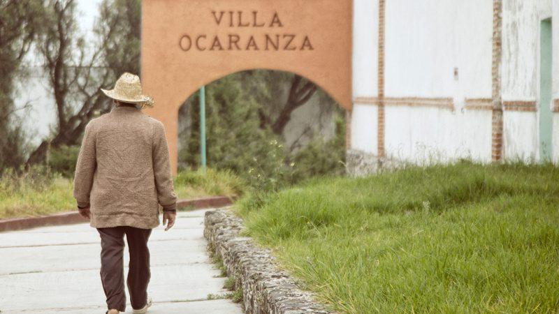 Entrada del hospital psiquiátrico Villa Orcanza. Fotografía de Pedro Zamacona. Publicada con permiso.