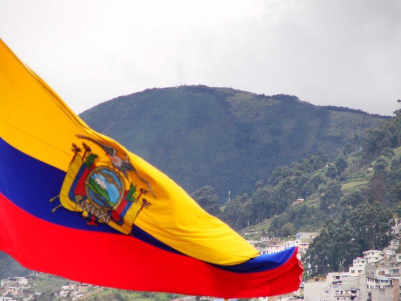 Bandera del Ecuador. Foto de Yamil Salinas Martínez en Flickr. Usada bajo licencia CC 2.0