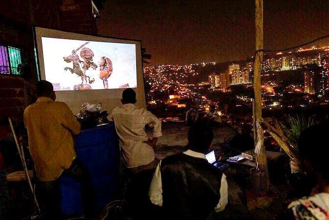 Projection d'un film dans le cadre de l'animation Cine Platabanda.